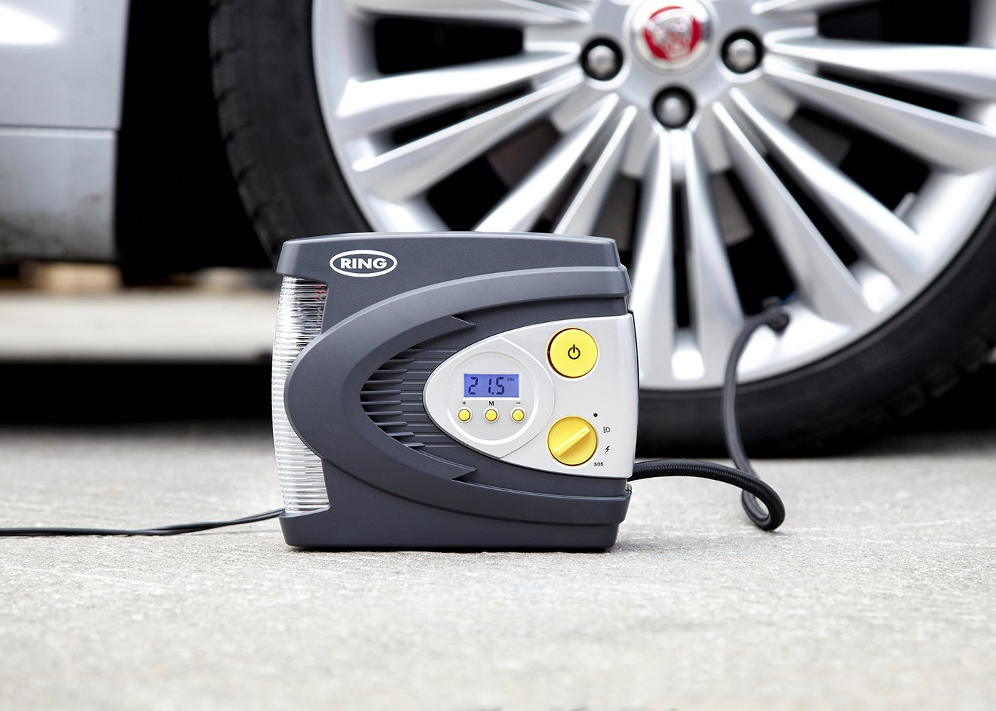 12V Automatic Digital Tyre Inflator with LED Light | RAC630